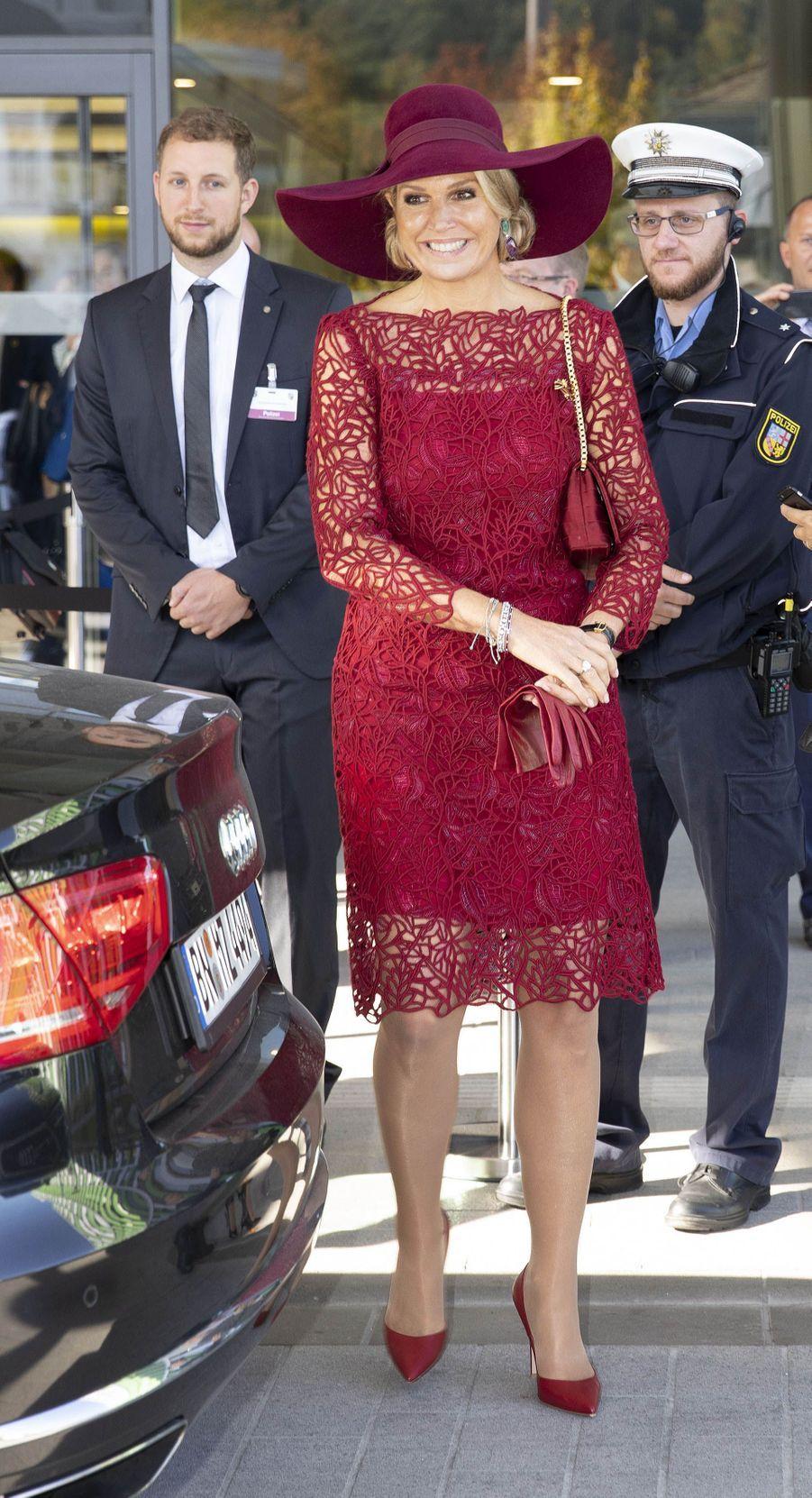La reine Maxima des Pays-Bas, dans une robe Natan, en Allemagne le 12 octobre 2018