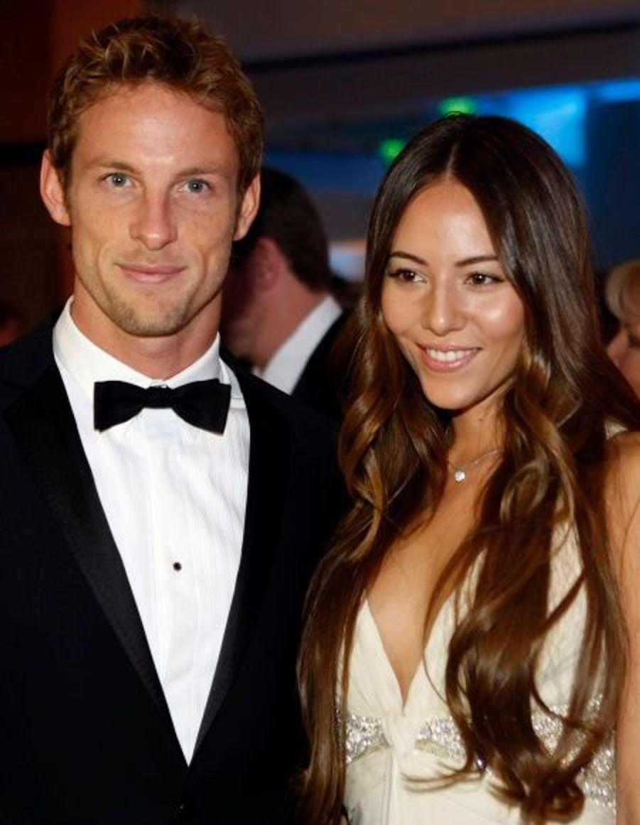 Jenson Button et la sublime Jessica Michibata