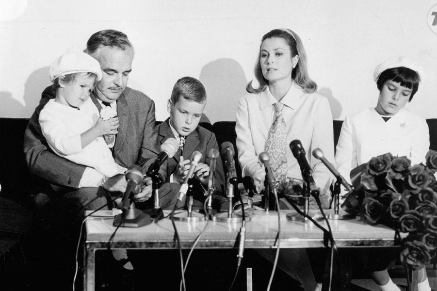 Conference de presse en famille en 1967