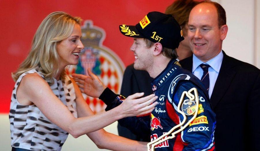 Embrassade avec le vainqueur, Sebastian Vettel