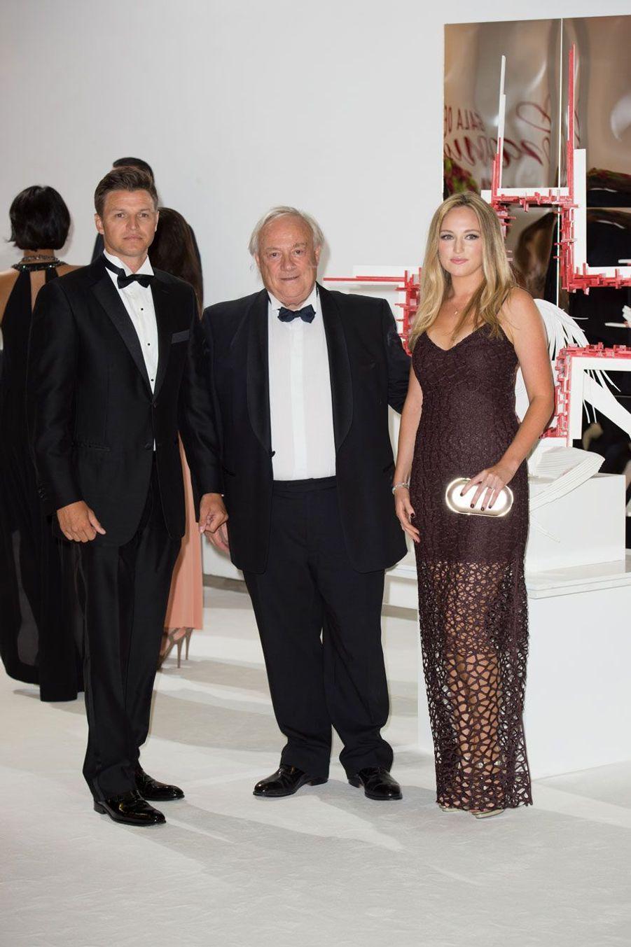 Gareth Wittstock, frère de Charlène, le sculpteur Matéo Mornar et Roisin Galvin, petite amie de Gareth