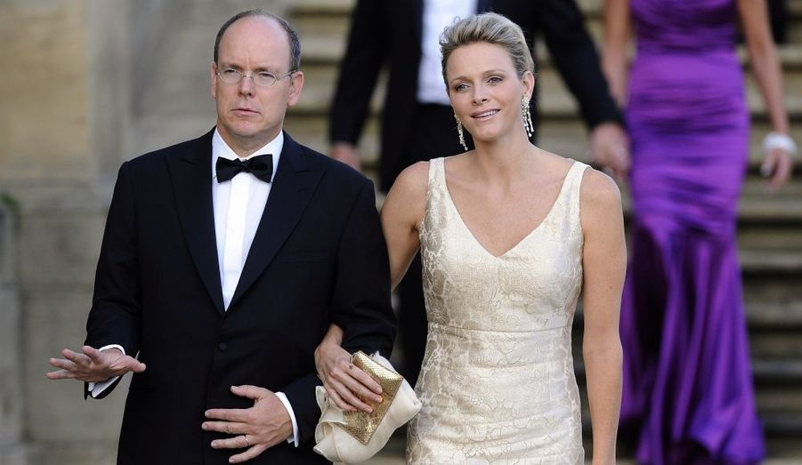 Les photographes étaient conquis par la simplicité et la beauté de la princesse Charlène.