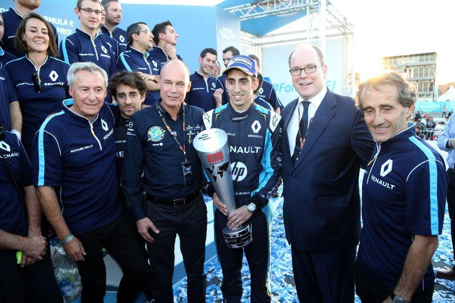 Le prince Albert II de Monaco avec Alain Prost et Sébastien Buemi, vainqueur du 1er Prix de Marrakech, le 12 novembre 2016