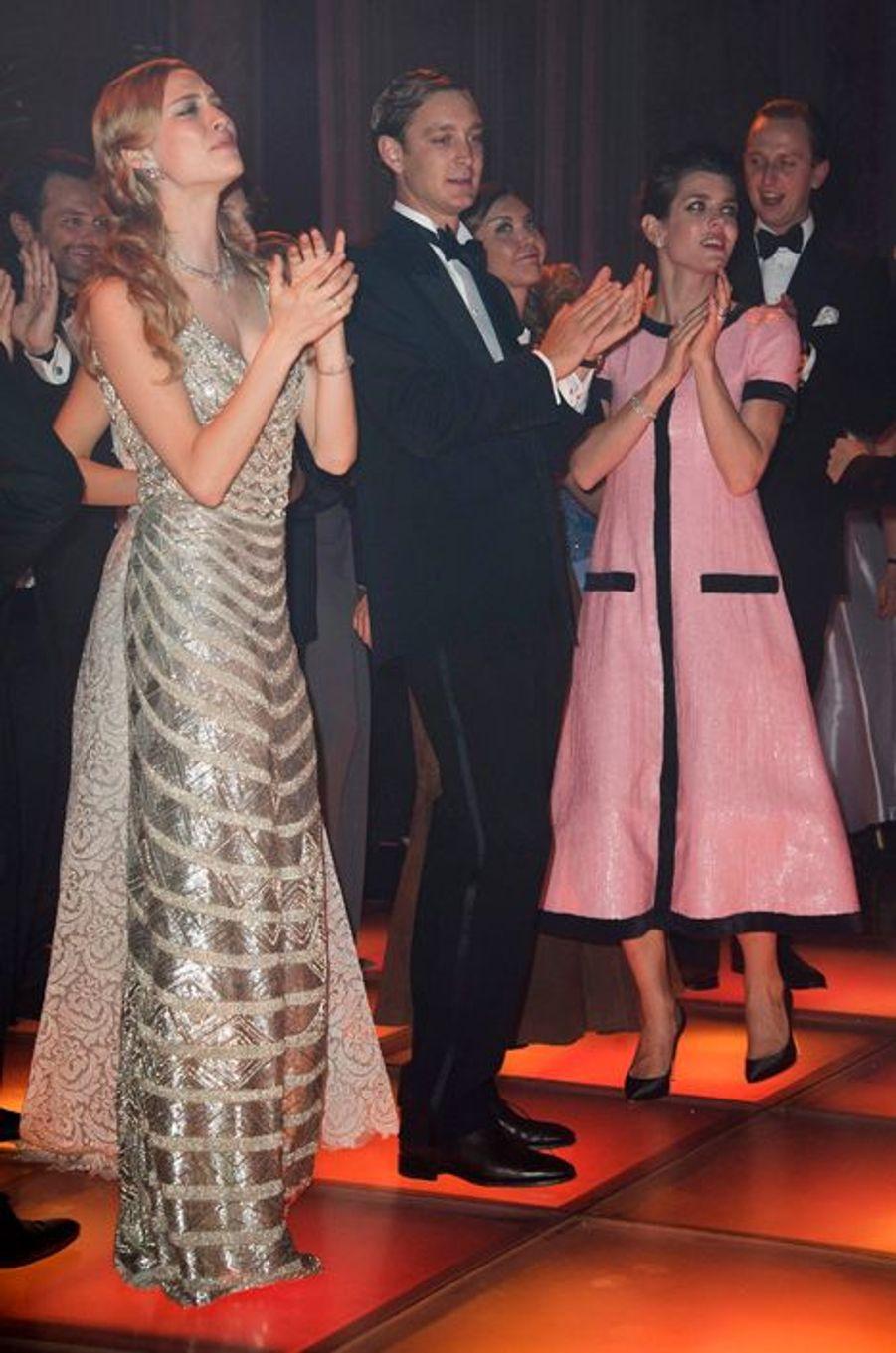 Beatrice Borromeo et Pierre Casiraghi avec sa soeur Charlotte au 61ème bal de la Rose à Monaco, le 28 mars 2015