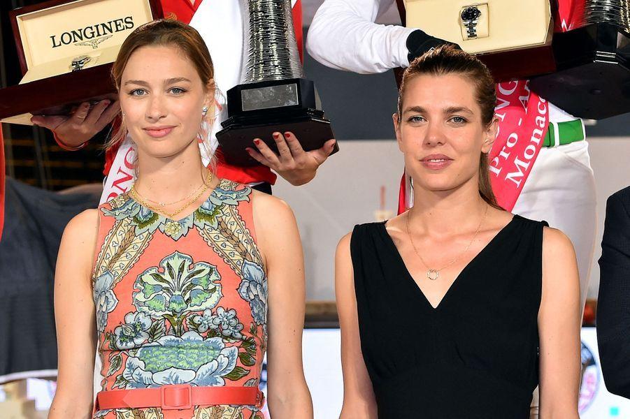 Beatrice Borromeo et Charlotte Casiraghi lors de la remise des prix du Longines Pro Am Cup Monaco en juin 2017