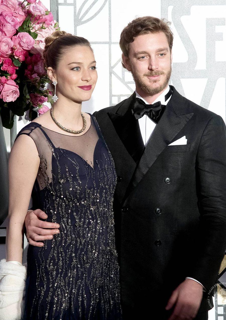 Beatrice Borromeo (en Alberta Ferretti) et Pierre Casiraghi au Bal de la Rose en mars 2017