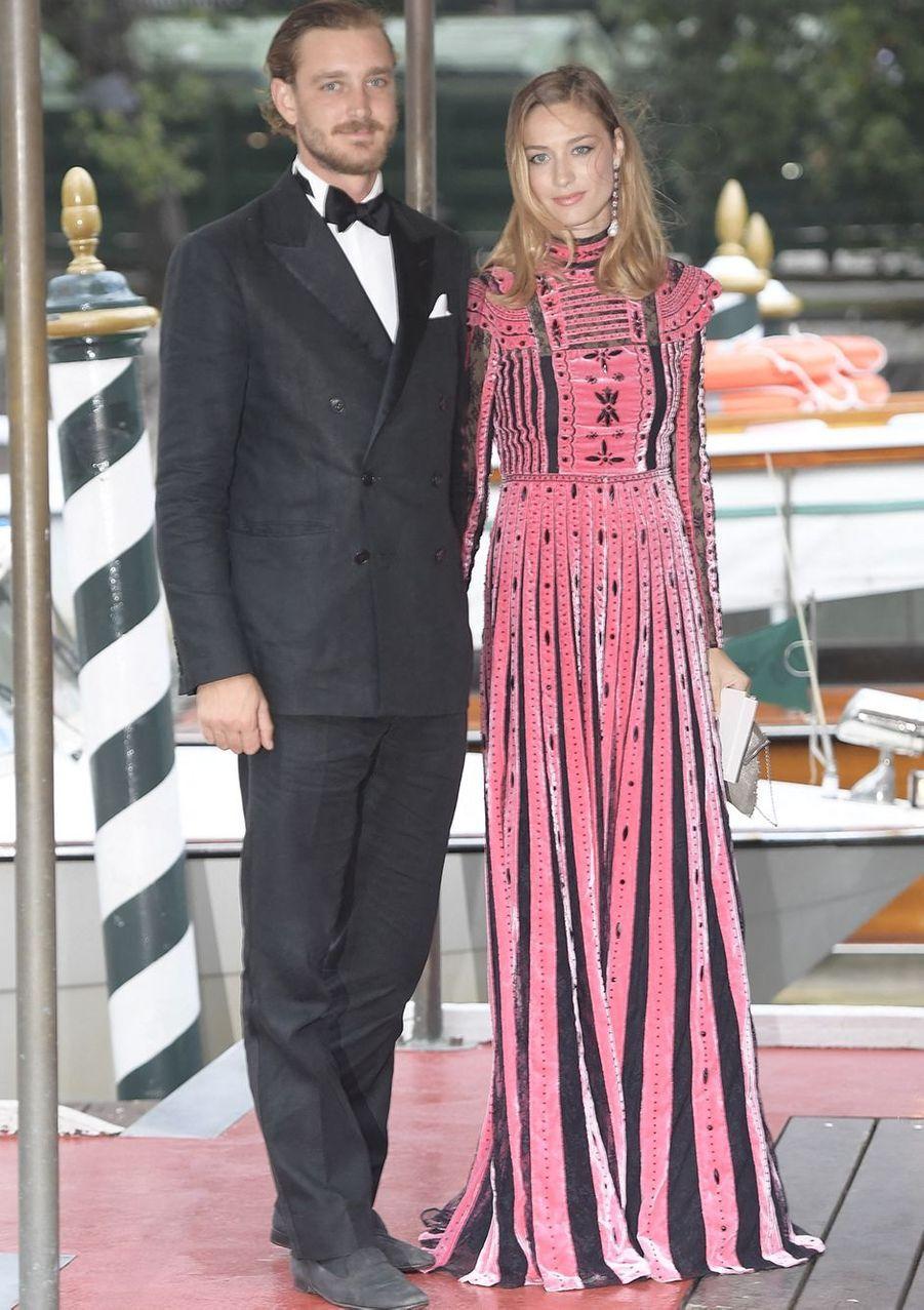 Pierre Casiraghi et Beatrice Borromeo (en Valentino) lors du 74e Festival du film de Venise en septembre 2017