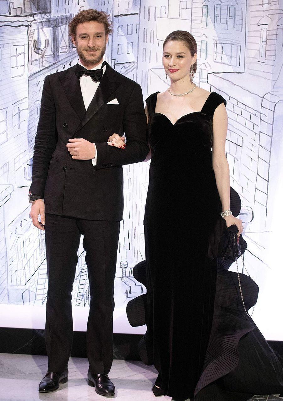 Pierre Casiraghi et Beatrice Borromeo (en robe Alberta Ferretti)au Bal de la Rose à Monaco en mars 2018