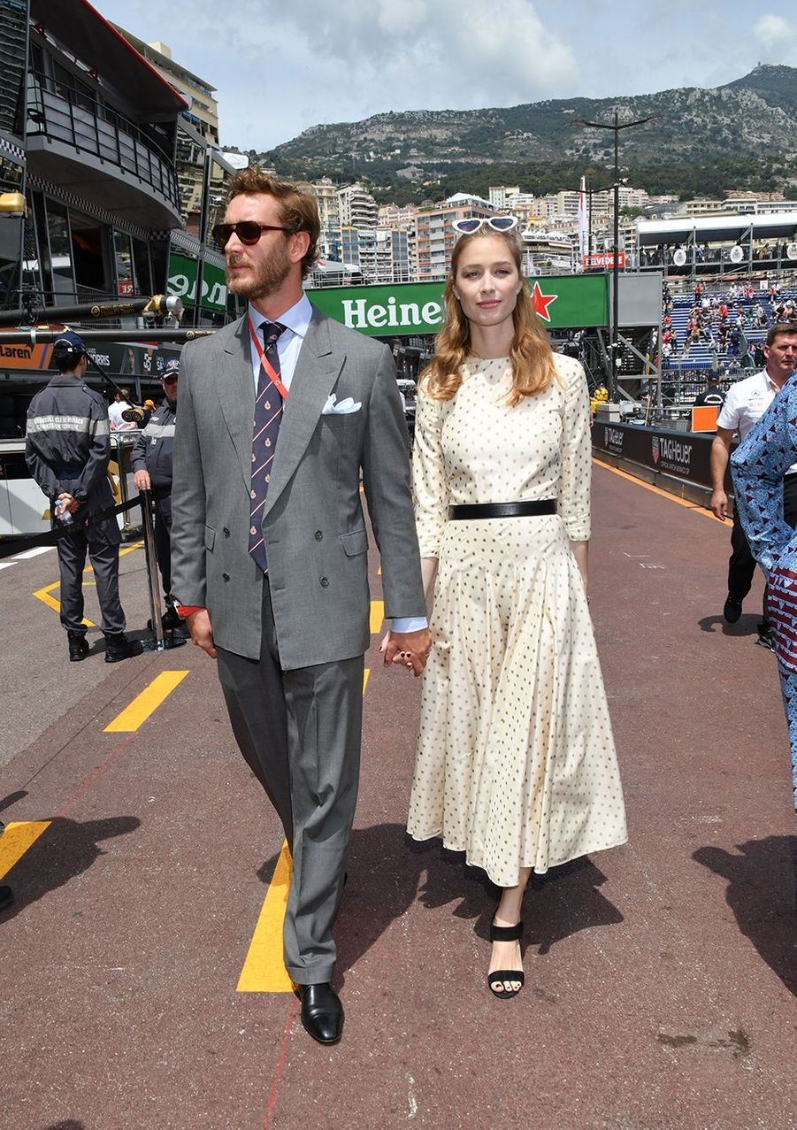 Pierre Casiraghi et Beatrice Borromeo (en Dior) lors du 77e Grand Prix de Formule 1 de Monaco en mai 2019