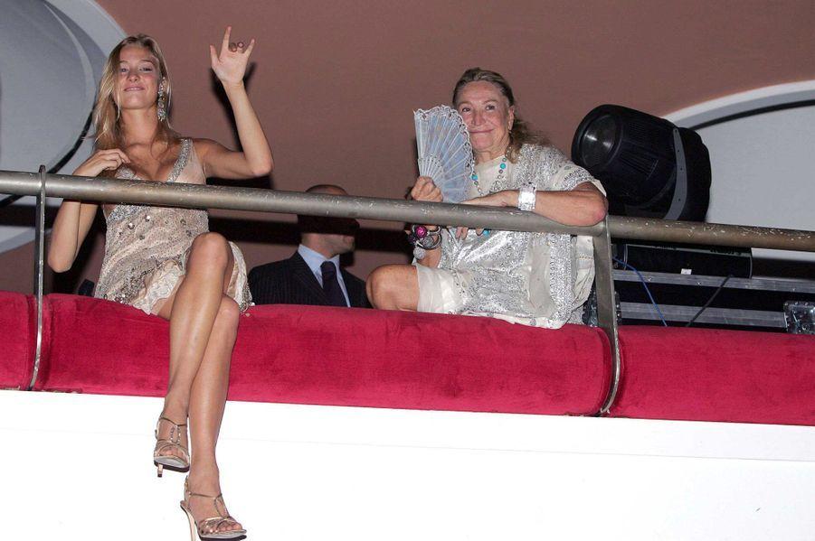 Septembre 2005: Beatrice Borromeo et Marta Marzotto font la fête à Venise