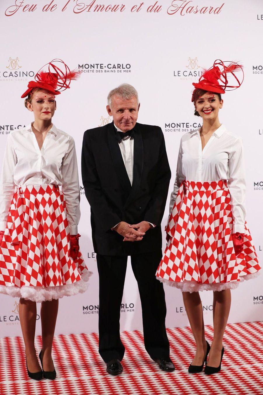 Au Dîner Surréaliste Avec Caroline De Monaco 3