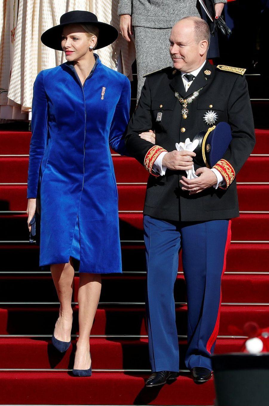 La princesse Charlène de Monaco dans un manteau Akris à Monaco, le 19 novembre 2017