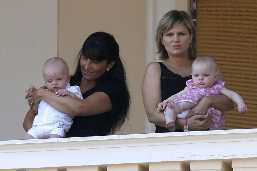 Gabriella et Jacques au balcon du palais pour le dixième anniversaire du règne de leur père, le 11 juillet 2015