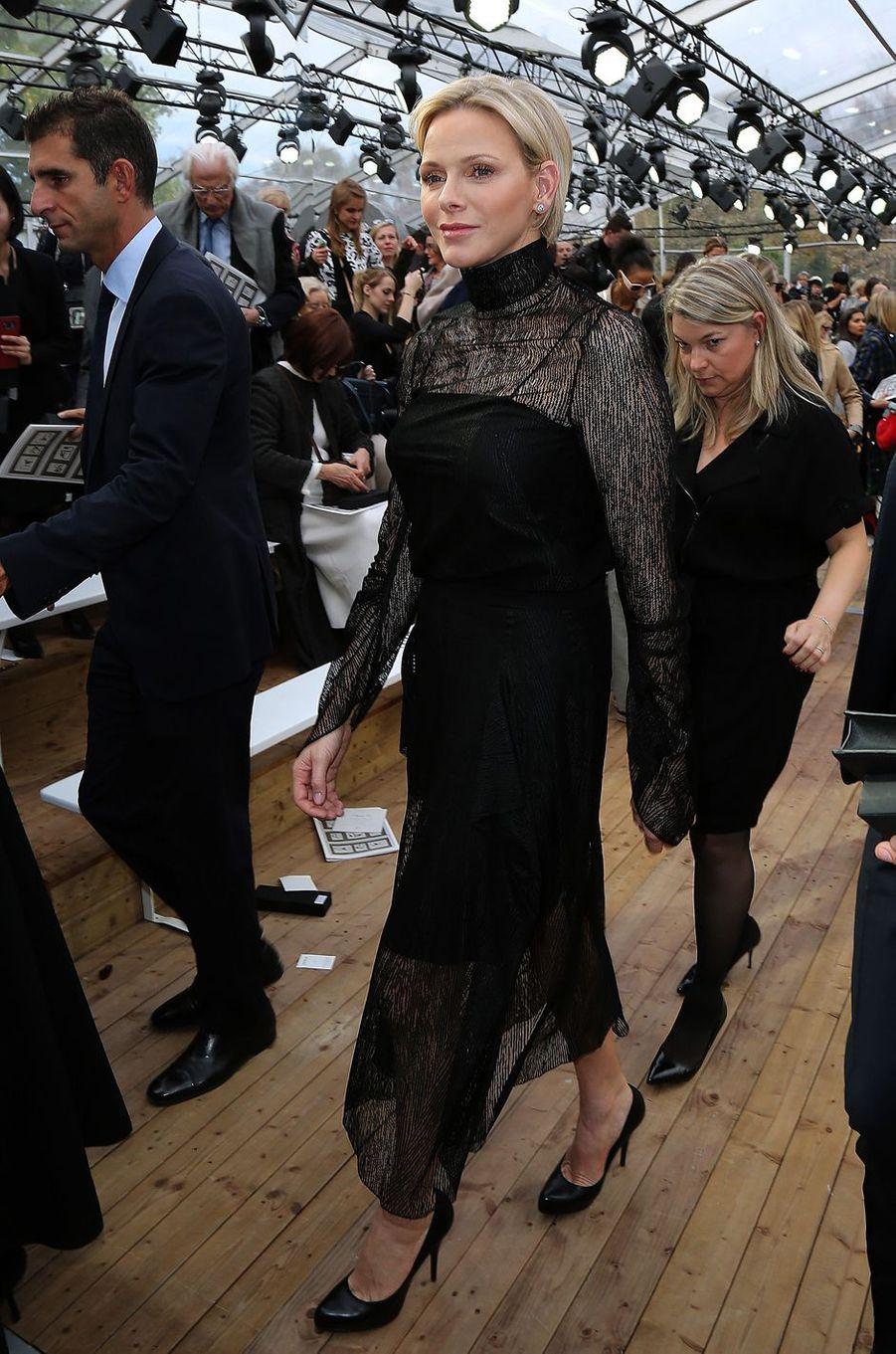 La princesse Charlène de Monaco au défilé Akris à Paris, le 30 septembre 2018