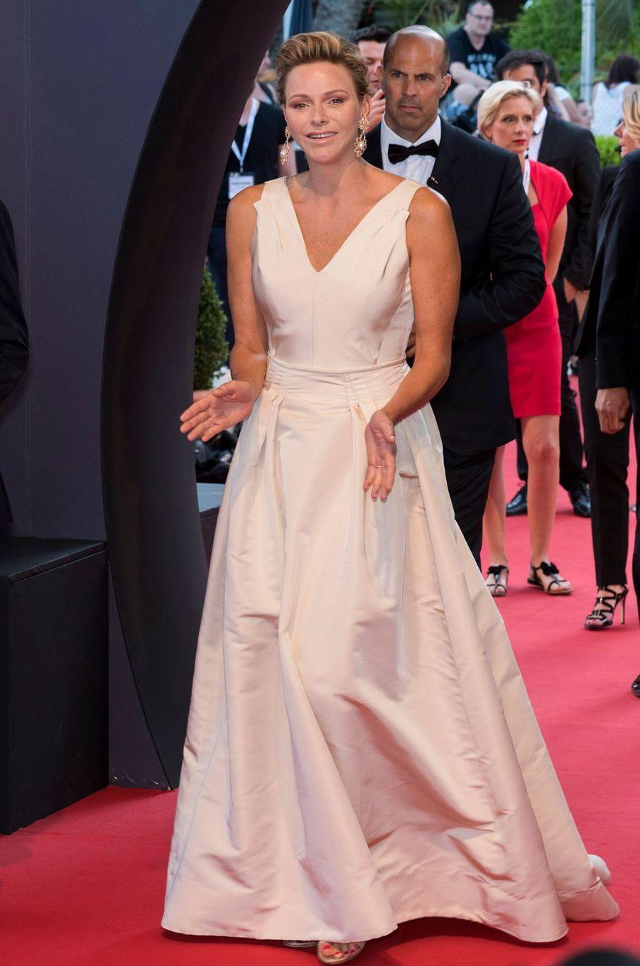 La princesse Charlène de Monaco en Carolina Herrera, le 19 juin 2018