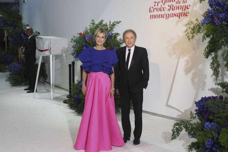 L'actrice Karin Viard et l'animateur Michel Drucker.