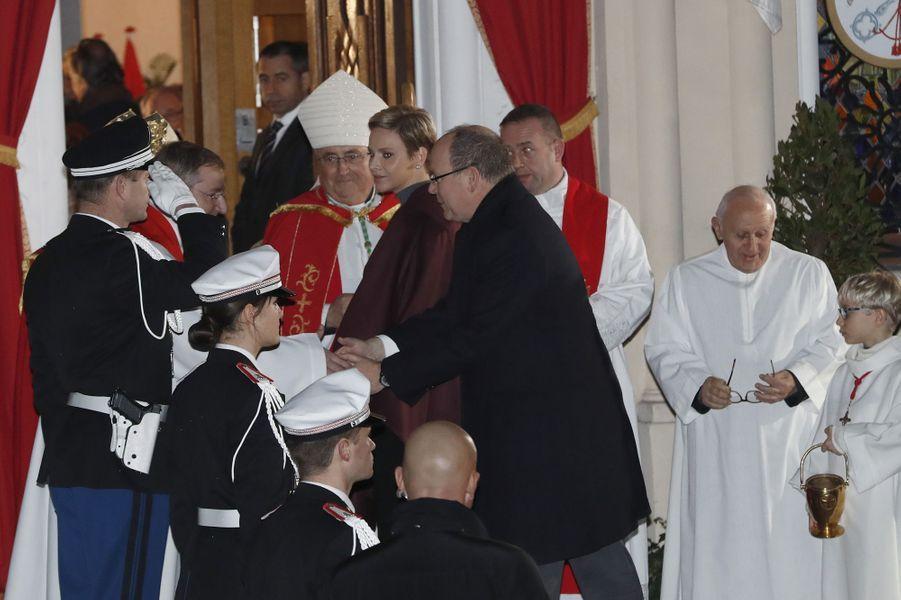 La princesse Charlène et le prince Albert II de Monaco lors de la procession de la Sainte-Dévote à Monaco, le 26 janvier 2017