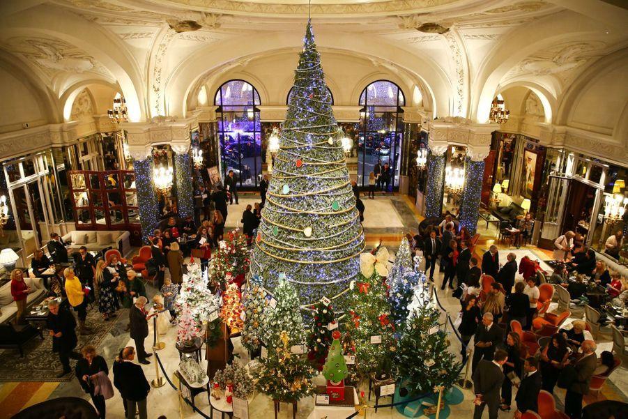 Le Prince Albert De Monaco Lors De La Traditionnelle Vente Aux Enchères De Sapins De Noël 5