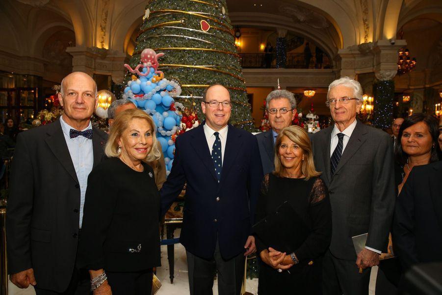 Le Prince Albert De Monaco Lors De La Traditionnelle Vente Aux Enchères De Sapins De Noël 6