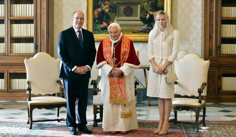 Albert, le pape et Charlène