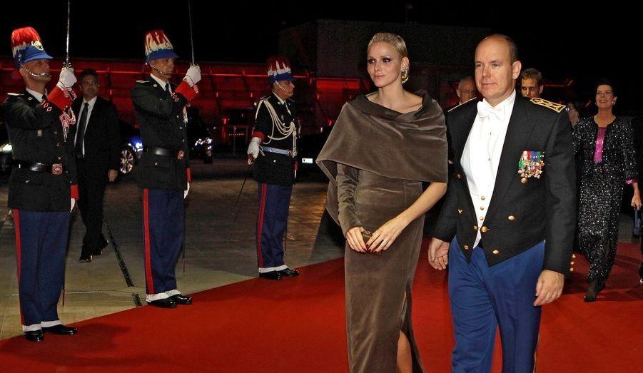 La soirée de gala de la fête nationale de Monaco, avec le couple princier, ainsi que Caroline et ses fils, en images.