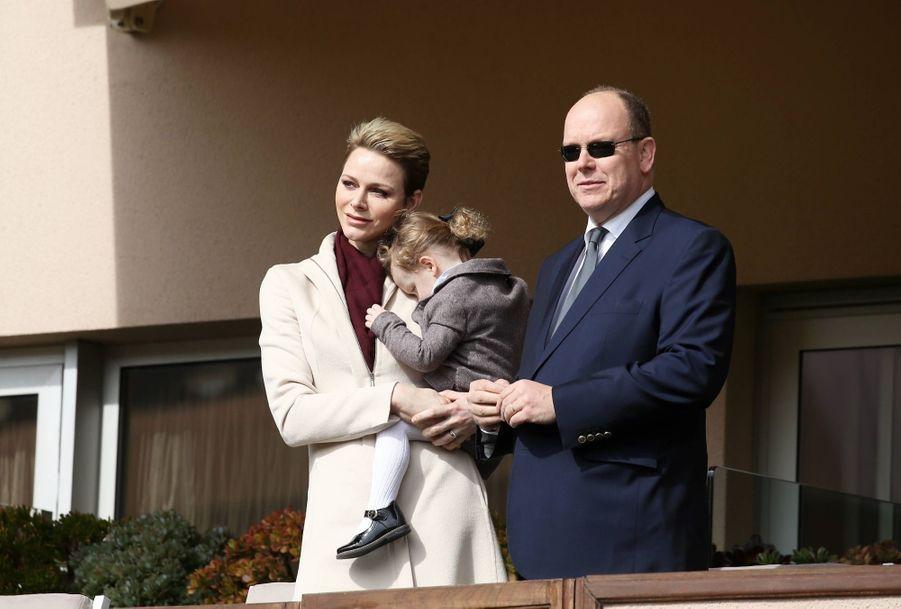 Charlène de Monaco, le prince Albert et leur fille Gabriella au Tournoi Sainte Dévote de Rugby