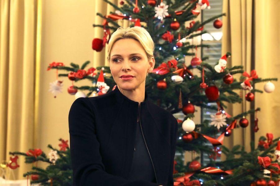 La princesse Charlène de Monaco dans les locaux de la Croix-Rouge à Monaco, le 15 décembre 2017