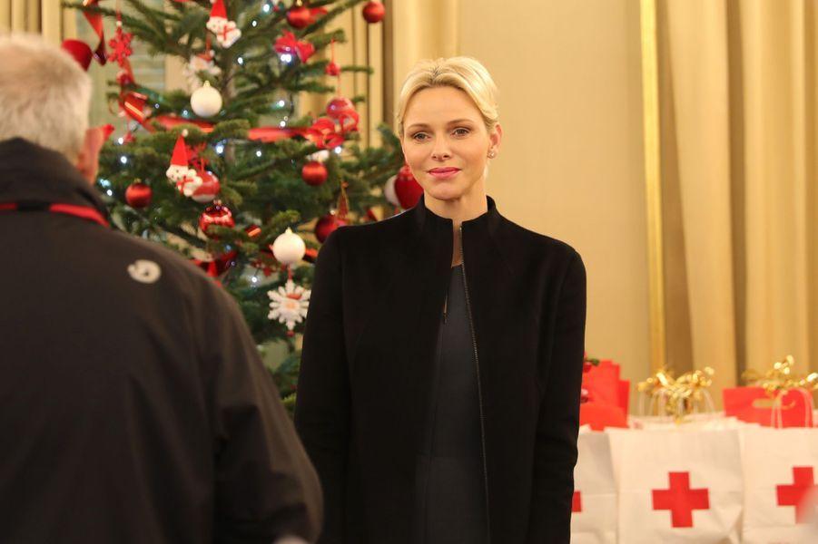 La princesse Charlène de Monaco dans les locaux de la Croix-Rouge monégasque, le 15 décembre 2017