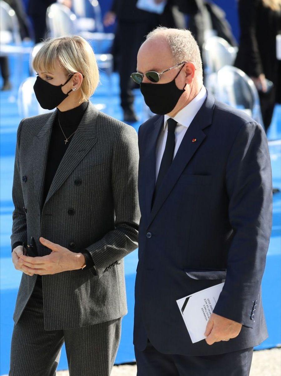 La princesse Charlène et Albert de Monaco, ce samedi 7 novembre 2020, lors de l'hommage aux victimes de l'attaque au couteau perpétrée dans la basilique de Nice, le 29 octobre dernier.