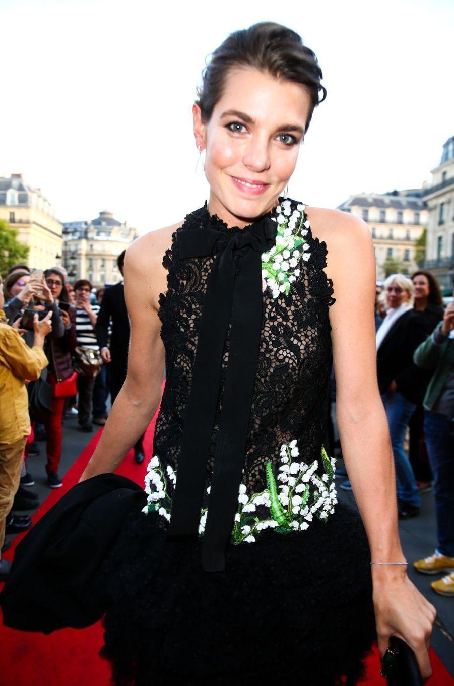 Charlotte Casiraghi devant l'Opéra Garnier à Paris, le 21 septembre 2017