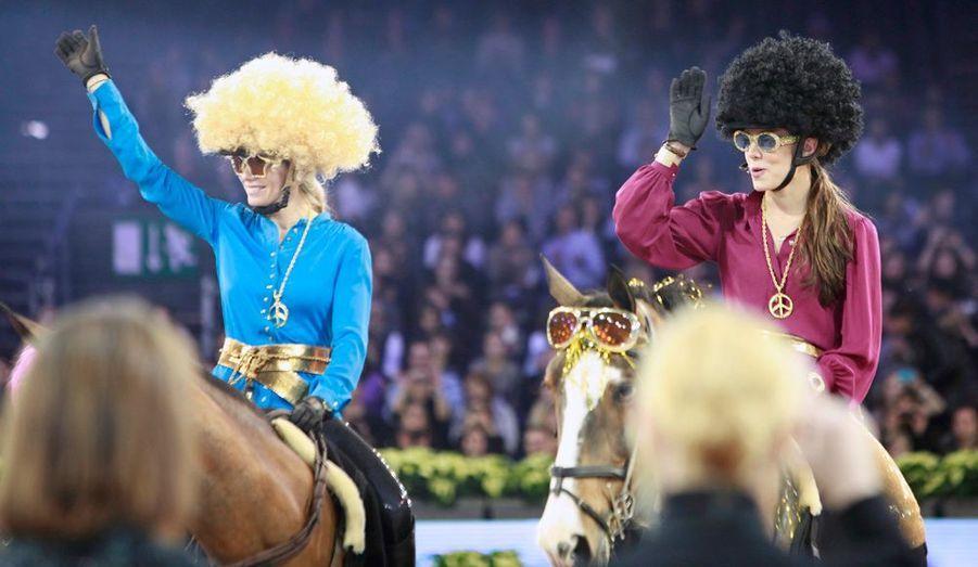 Charlotte Casiraghi fait équipe avec sa grande amie Edwina, classée 6e cavalière mondiale. Charlotte a été son témoin quand elle s'est mariée à Monaco.