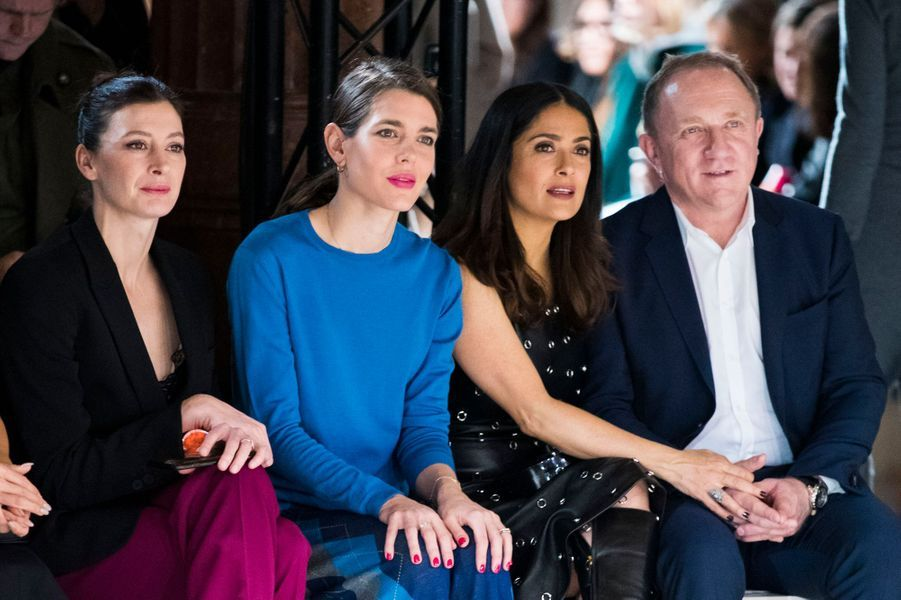 Charlotte Casiraghi avec Marie-Agnès Gillot, Salma Hayek et son mari François-Henri Pinault, à la Fashion Week à Paris, le 6 mars 2017
