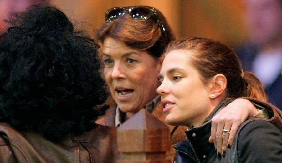 Caroline de Monaco a accompagné sa fille Charlotte Casiraghi à la 3ème édition des Gucci Master, à Villepinte, en banlieue parisienne. La compétition équestre se tient en marge du Salon du cheval.