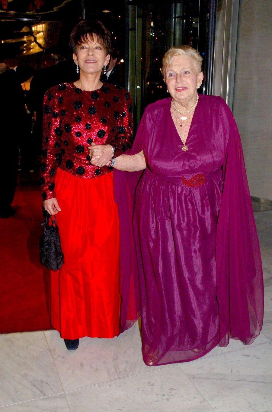 Elizabeth-Ann de Massy avec sa mère la princesse Antoinette de Monaco, le 14 mars 2002