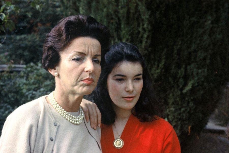 Elizabeth-Ann de Massy avec sa mère la princesse Antoinette de Monaco. Photo non datée