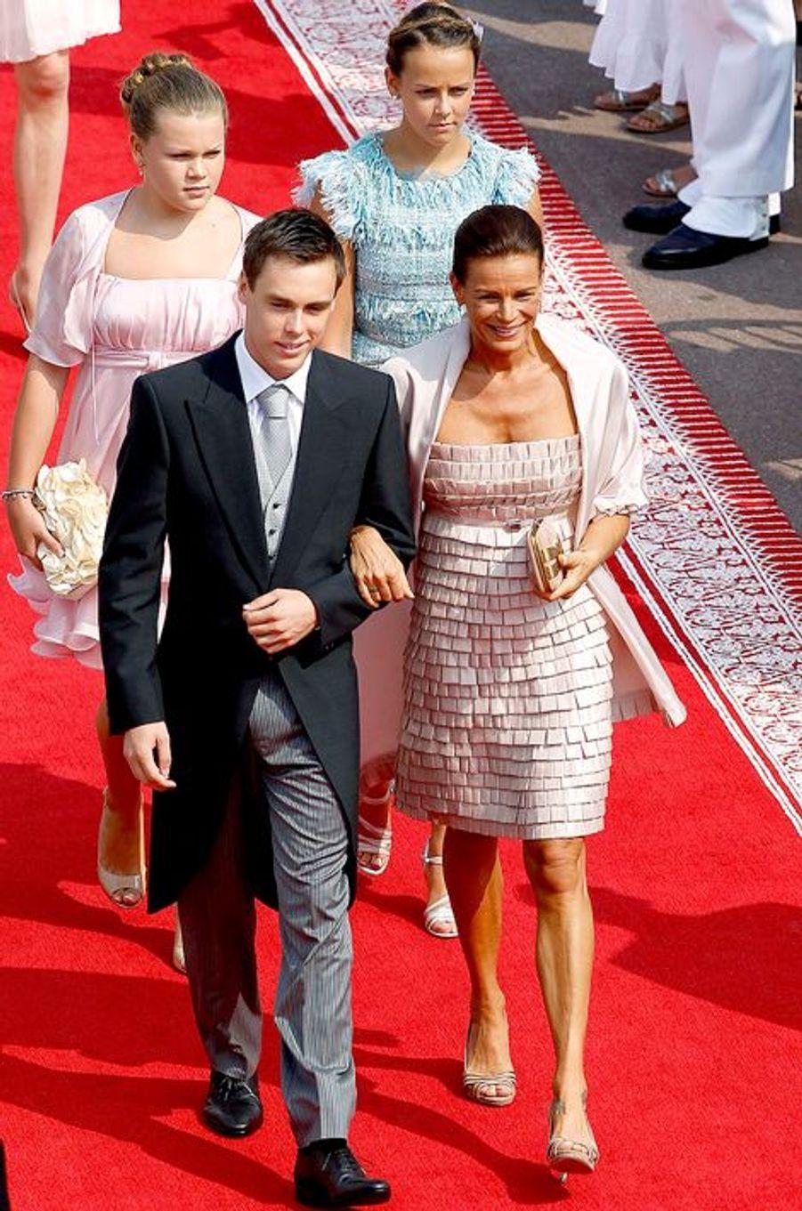La princesse Stéphanie de Monaco le 2 juillet 2011, avec ses enfants
