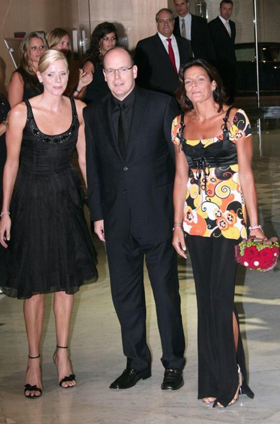 La princesse Stéphanie de Monaco le 20 juillet 2007, avec le prince Albert et la princesse Charlène
