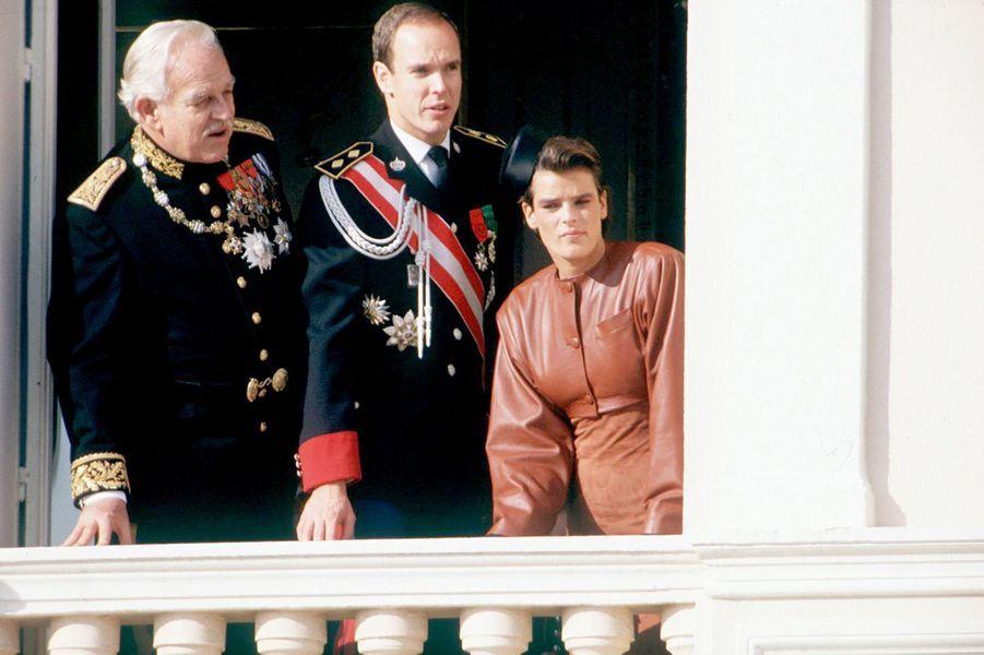 La princesse Stéphanie de Monaco le 20 novembre 1987, avec les princes Rainier et Albert