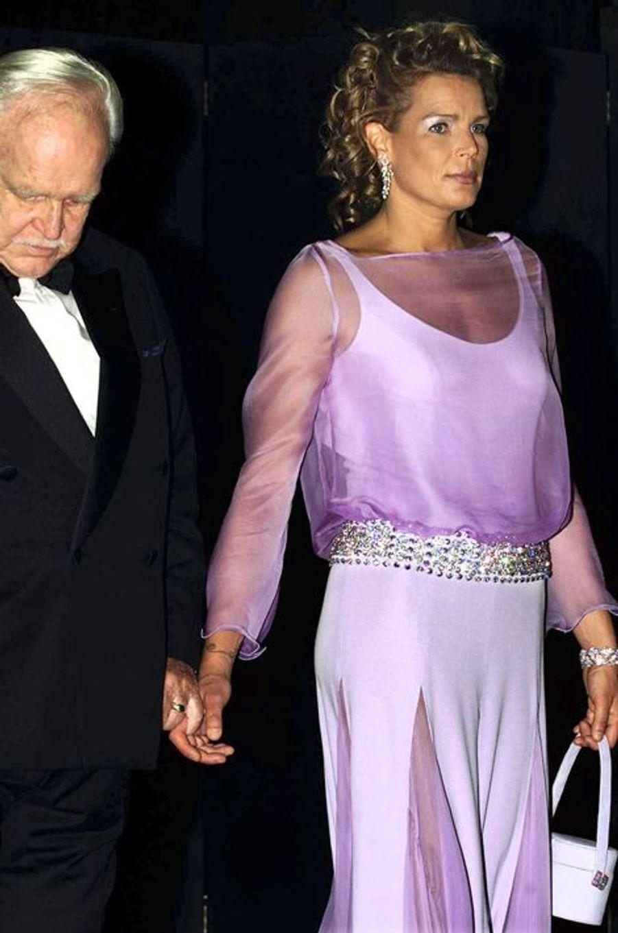 La princesse Stéphanie de Monaco le 3 août 2001, avec le prince Rainier