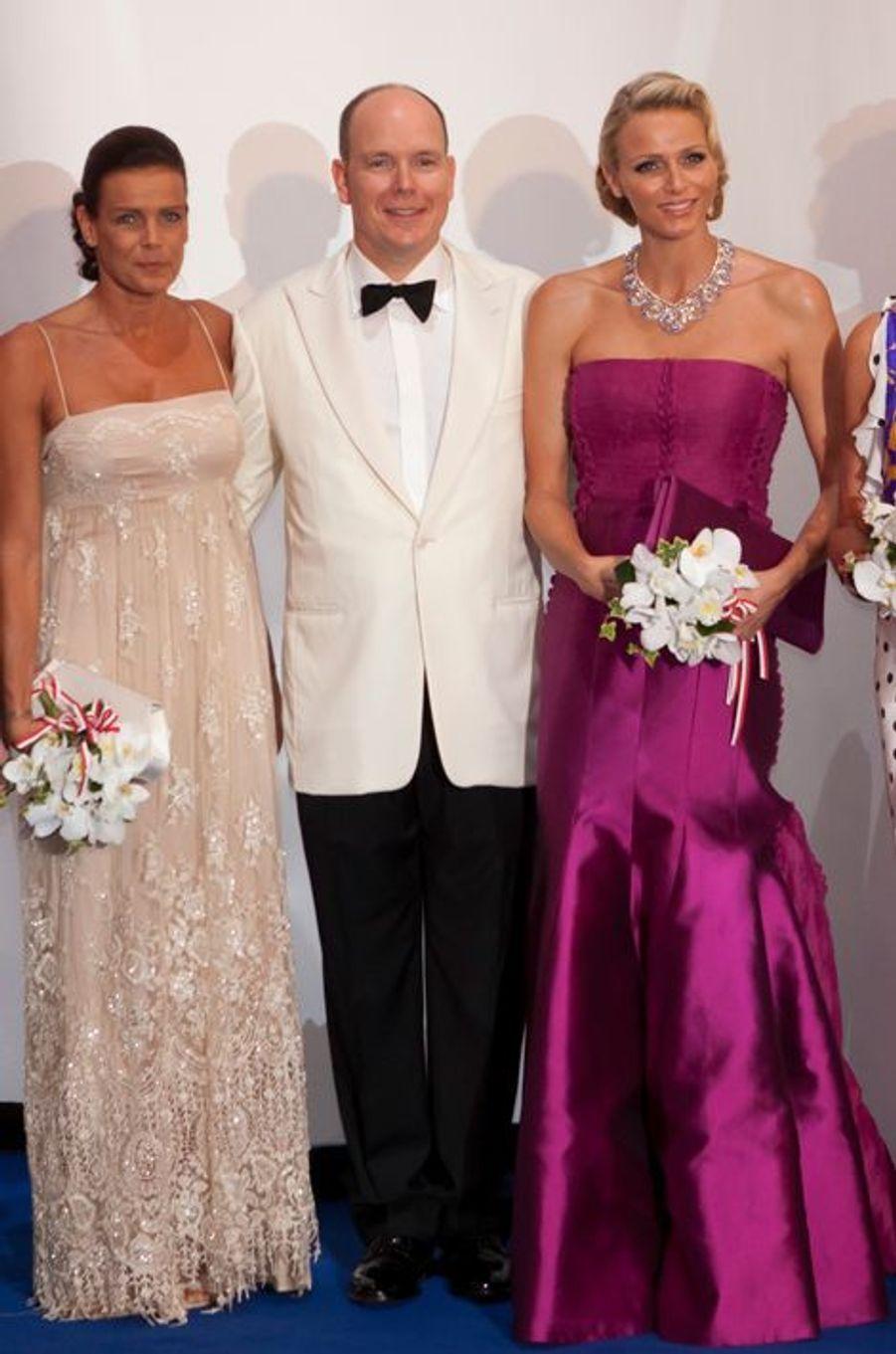 La princesse Stéphanie de Monaco le 5 août 2011, avec le prince Albert et la princesse Charlène