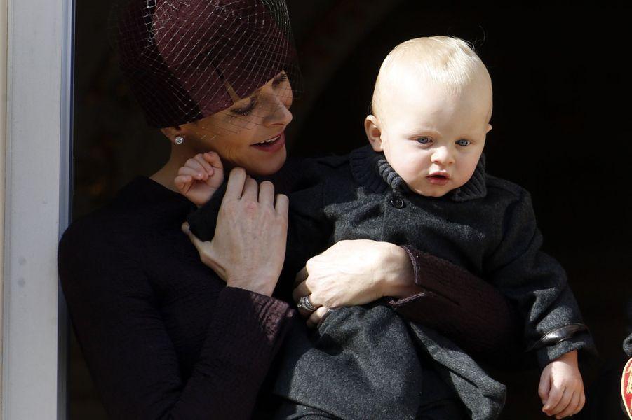 La princesse Charlène de Monaco avec le prince Jacques à Monaco, le 19 novembre 2015