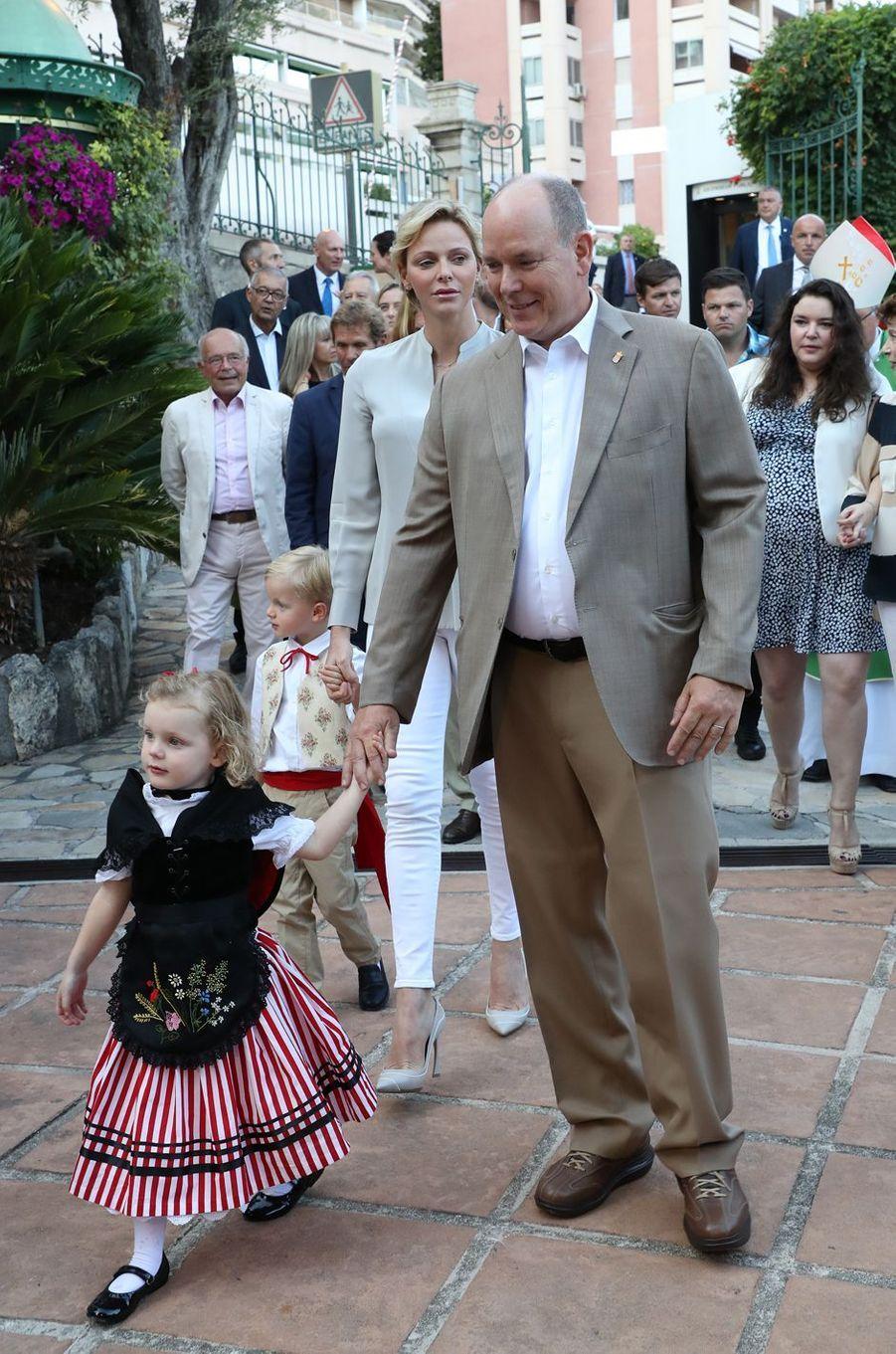 Le prince Jacques et la princesse Gabriella avec la princesse Charlène et le prince Albert II de Monaco, à Monaco le 31 août 2018
