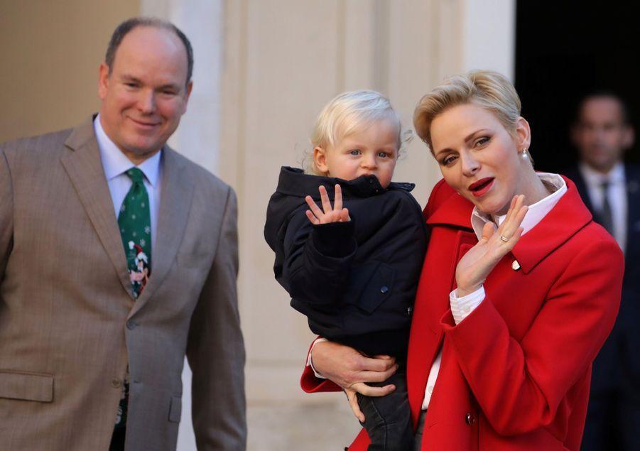 Charlène De Monaco, Le Prince Albert Et Leurs Jumeaux Gabriella Et Jacques À L'arbre De Noël Du Palais 1