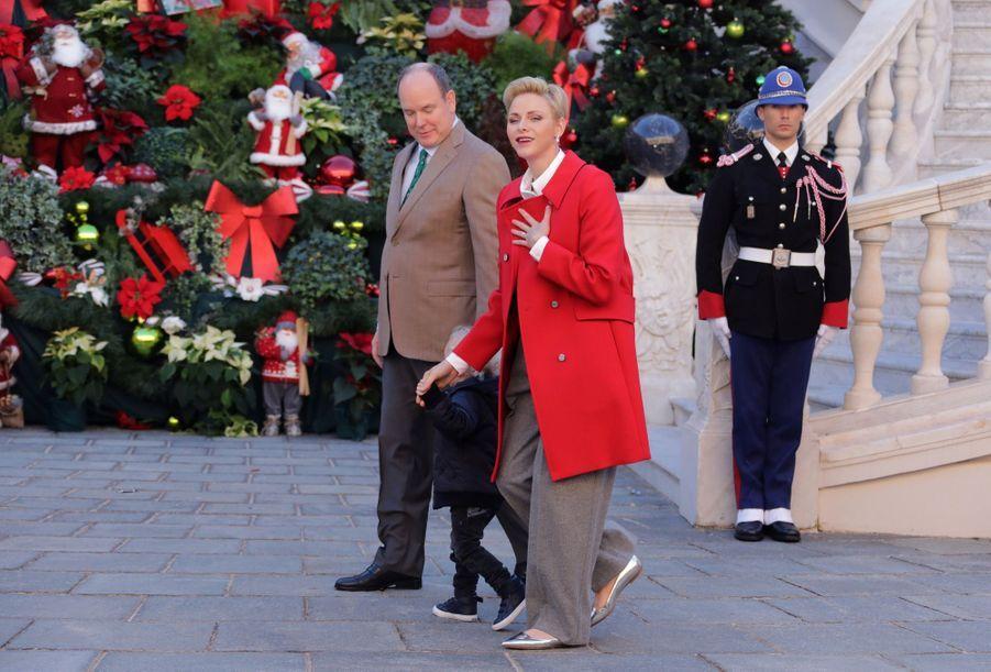 Charlène De Monaco, Le Prince Albert Et Leurs Jumeaux Gabriella Et Jacques À L'arbre De Noël Du Palais 11