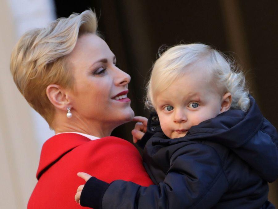 Charlène De Monaco, Le Prince Albert Et Leurs Jumeaux Gabriella Et Jacques À L'arbre De Noël Du Palais 21