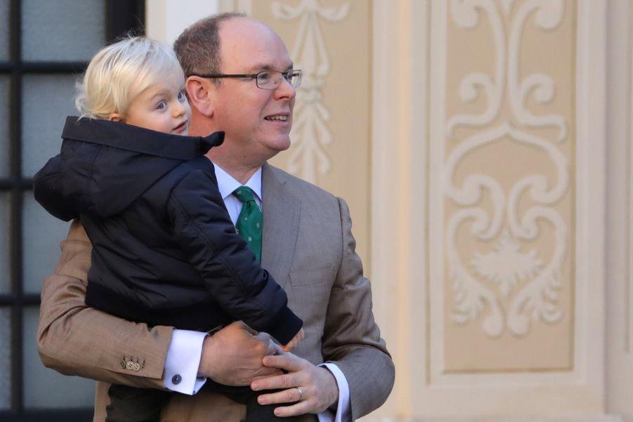 Charlène De Monaco, Le Prince Albert Et Leurs Jumeaux Gabriella Et Jacques À L'arbre De Noël Du Palais 22