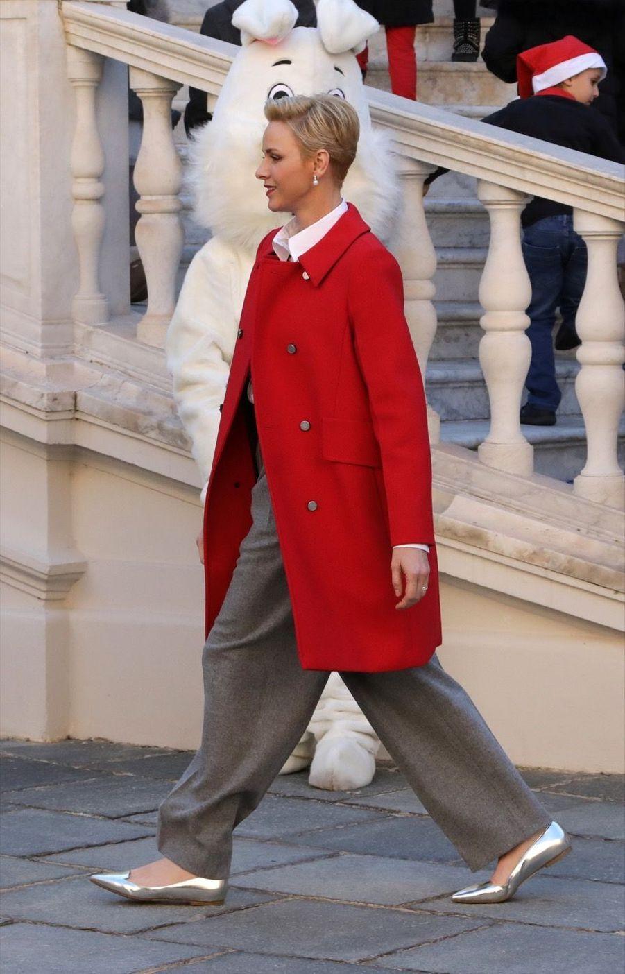 Charlène De Monaco, Le Prince Albert Et Leurs Jumeaux Gabriella Et Jacques À L'arbre De Noël Du Palais 23