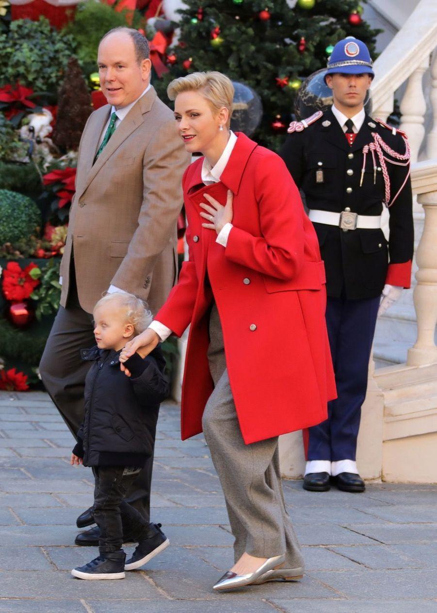 Charlène De Monaco, Le Prince Albert Et Leurs Jumeaux Gabriella Et Jacques À L'arbre De Noël Du Palais 24