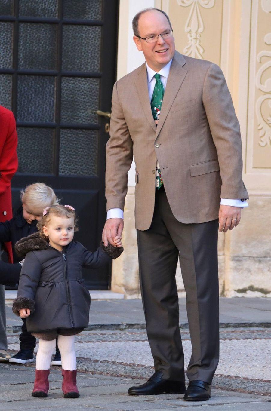 Charlène De Monaco, Le Prince Albert Et Leurs Jumeaux Gabriella Et Jacques À L'arbre De Noël Du Palais 26