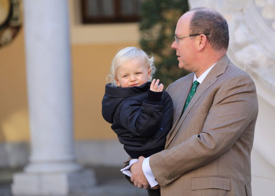 Charlène De Monaco, Le Prince Albert Et Leurs Jumeaux Gabriella Et Jacques À L'arbre De Noël Du Palais 30